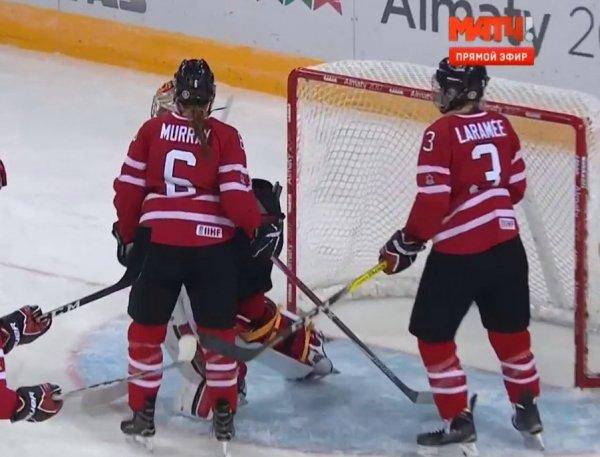 Канадские хоккеистки разгромили россиянок в полуфинале ОИ