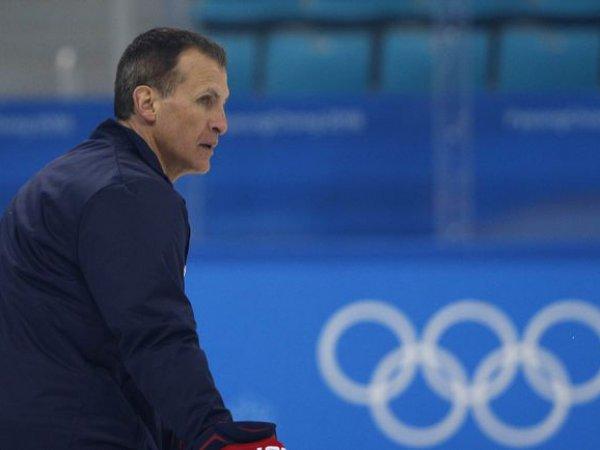 Тренер сборной США по хоккею рассказал, почему не пожал руку Олегу Знарку после разгрома от россиян