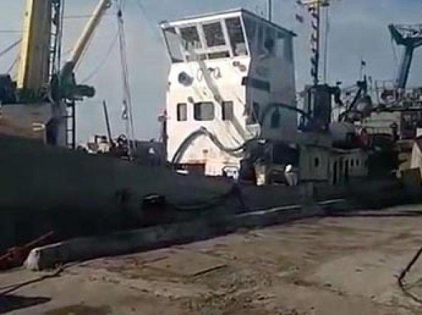 В Сеть попало видео задержания Украиной рыбацкого судна под флагом РФ