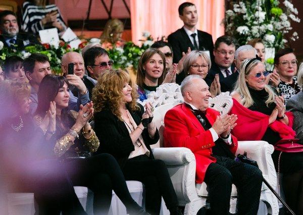 80-летний юбилей модельер Вячеслав Зайцев встречал на троне