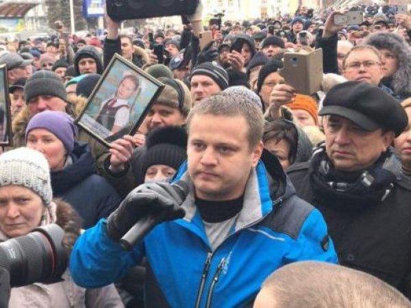 """""""До последнего думал, что это теракт"""": потерявший всю семью в """"Зимней вишне"""" мужчина рассказал, как умирали люди"""