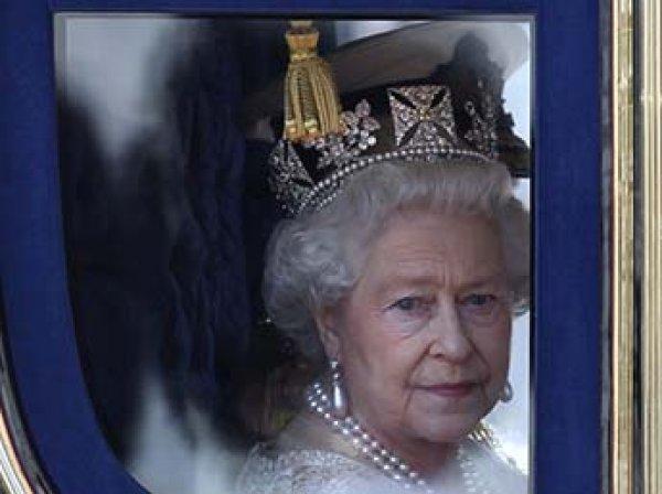 Елизавета II разрешила принцу Гарри жениться на Меган Маркл