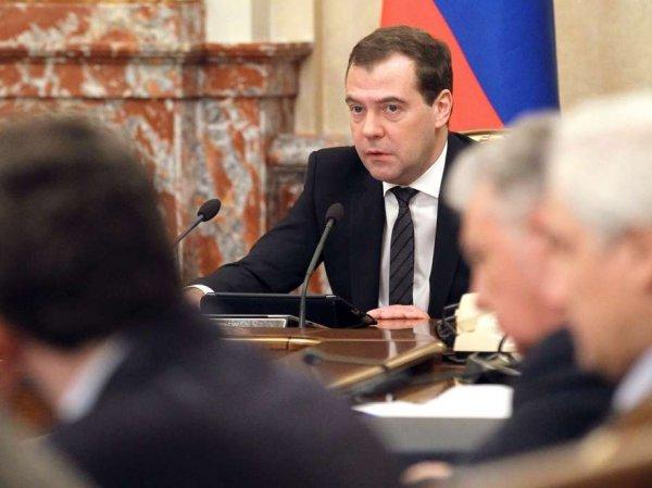 СМИ рассказали, кто может сменить Медведева на посту премьер-министра РФ