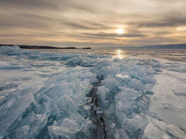 Опубликовано YouTube видео цунами на Байкале, едва не погубившего рыбаков