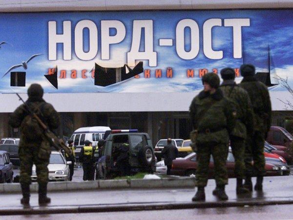"""Путин: захватившие """"Норд-Ост"""" террористы планировали расстрелять заложников у стен Кремля"""