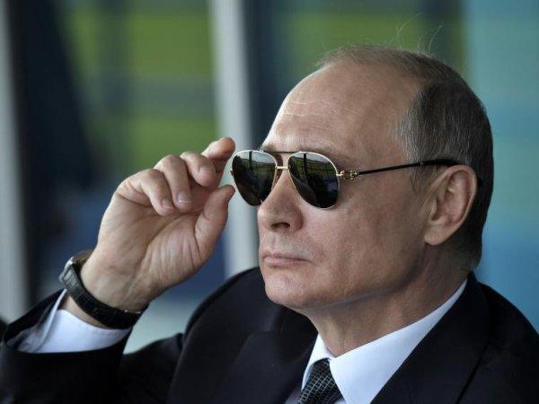 """Песков рассказал о дальнем родственнике Путина в """"Газпроме"""""""