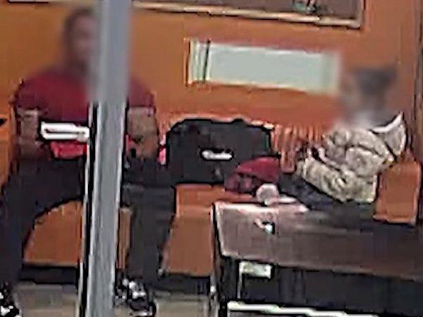 В Екатеринбурге тренера обвинили в педофилии за то, что он посидел на диване с девочкой