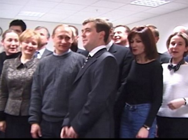 В Сети появилось уникальное архивное видео с победившим на выборах 2000 года Путиным