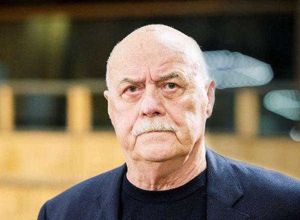 Журналистка обвинила режиссера Станислава Говорухина в сексуальных домогательствах