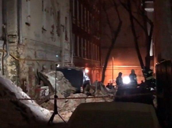 В Москве на улице Трубной обрушилось здание: есть пострадавшие