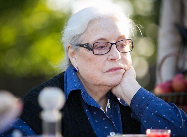 Лидия Федосеева-Шукшина откровенно рассказала, как муж едва ее не убил в порыве ревности