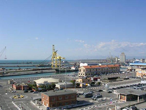 В итальянском порту Ливорно прогремел взрыв: погибли два человека