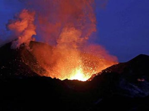 Ученые впервые в истории записали звук вулканического грома