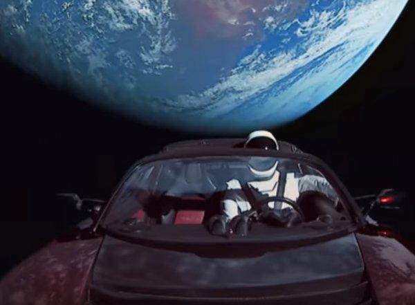 Илон Маск показал новое видео запуска Tesla в космос