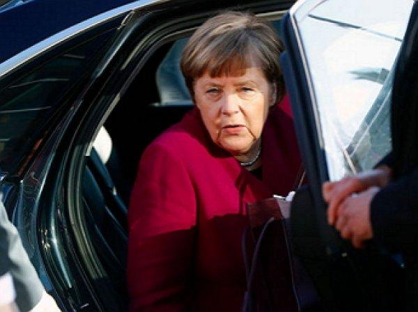 Нападение на Меркель в Берлине попало на видео