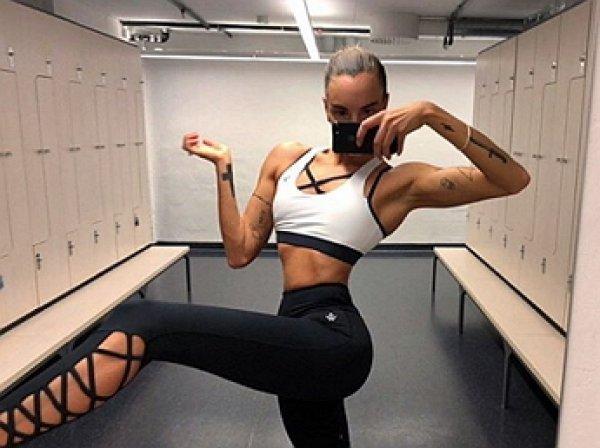 Шведская модель покорила соцсети метровыми ногами