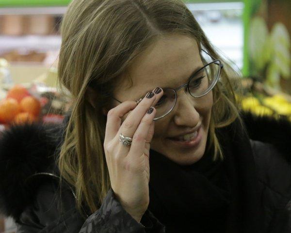 Нападение на Ксению Собчак в Москве попало на видео