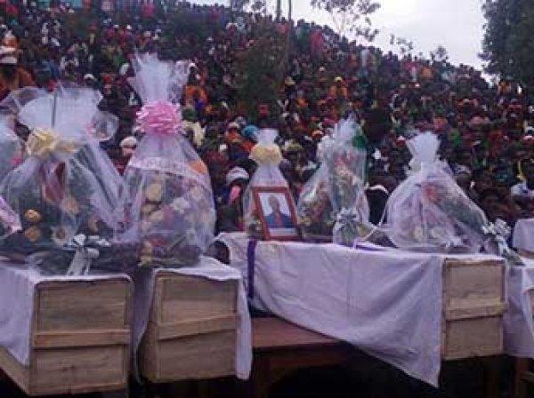 В Руанде 16 человек погибли, когда молния попала в церковь