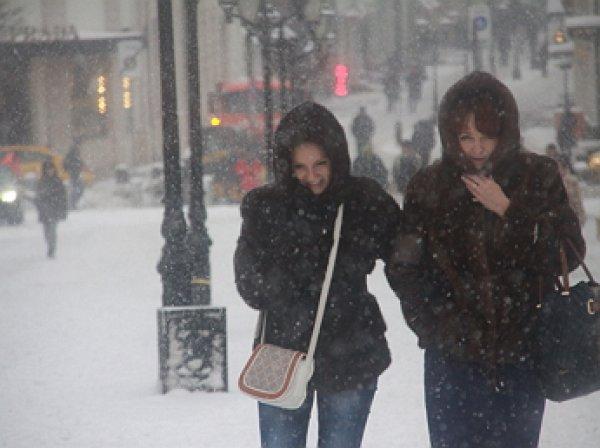 На Москву обрушился мощнейший снегопад за 68 лет
