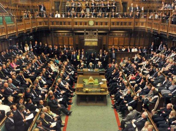 """В британском парламенте у Путина """"нашли"""" более  млрд"""