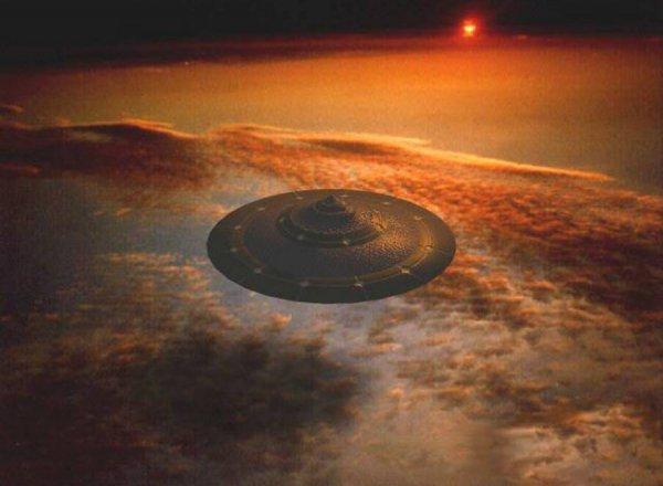 Опубликовано видео перехвата НЛО истребителем в США