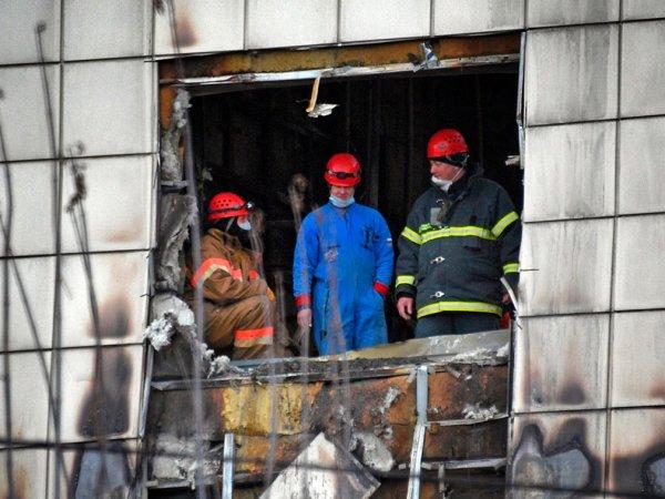 """В сеть попала запись с мольбами о помощи жертв пожара в """"Зимней вишне"""""""