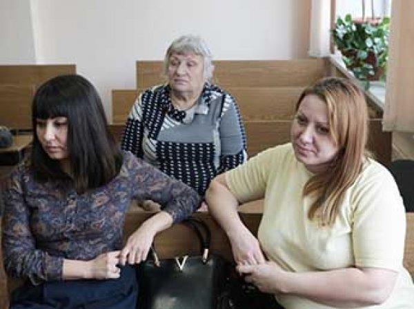 Перепутанные в роддоме Челябинска девушки отсудили по миллиону рублей