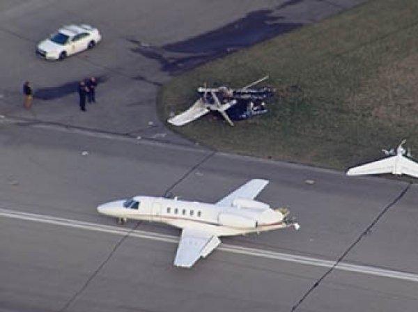 В США самолет упал на поле для гольфа: погибли шесть человек