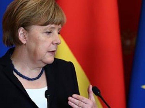 СМИ: Меркель попросит Трампа освободить Германию от жестких санкций против РФ