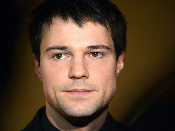 Оскандалившийся Данила Козловский уехал из России из-за травли в Сетях