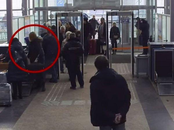 В СКР опубликовали на YouTube видео с Юлией Скрипаль по пути в Лондон