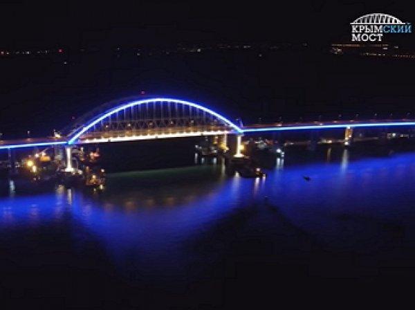 В Сети появилось видео с испытанием подсветки арки Крымкого моста