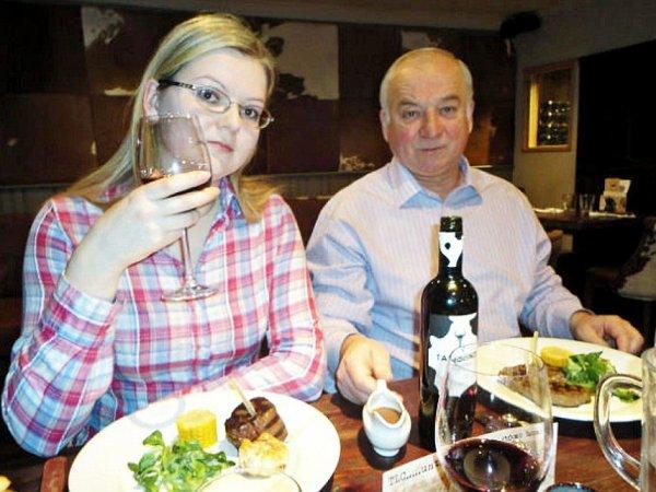 СМИ: Сергея Скрипаль и его дочь Юлию отравили гречкой