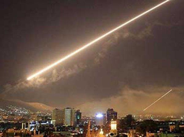 СМИ сообщили о новом ракетном обстреле авиабазы Асада в Сирии