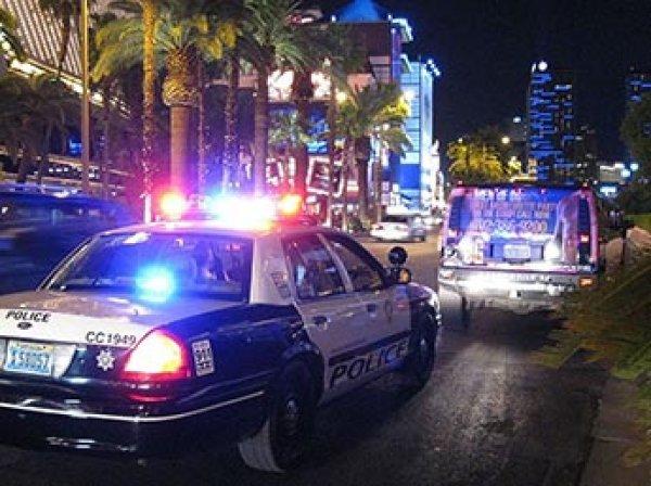 В США голый мужчина устроил бойню в кафе: четыре человека погибли