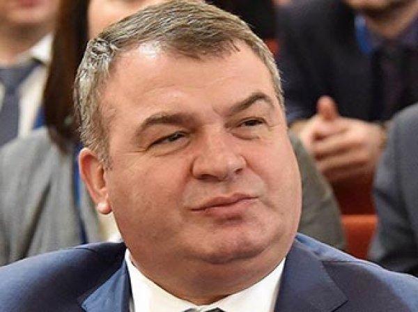 Соседи Сердюкова и Васильевой рассказали скандальные подробности об их жизни