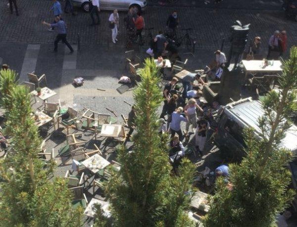 В Германии автомобиль въехал в толпу: трое погибших