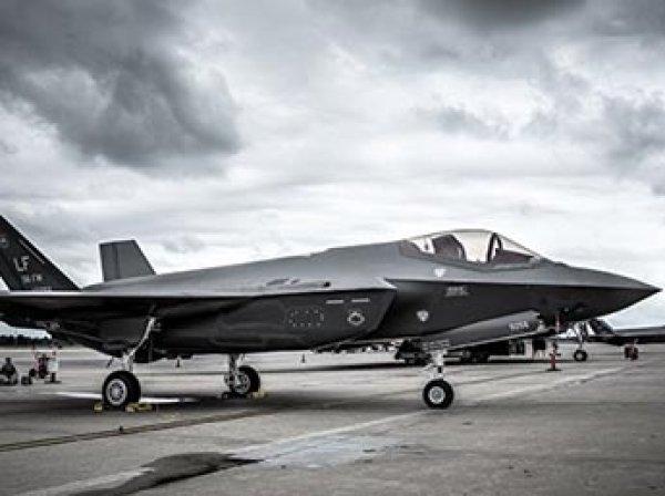"""СМИ нашли у американского F-35 """"советское прошлое"""" от Як-141"""