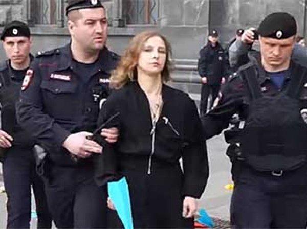 Участницу Pussy Riot Марию Алехину приговорили к обязательным работам за акцию в поддержку Telegram