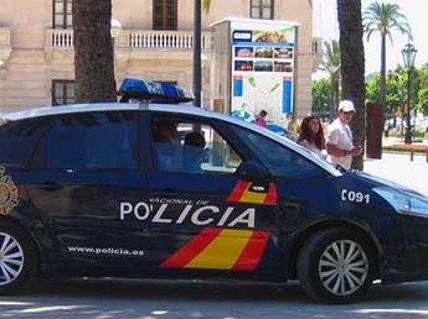 На испанской Майорке женщина на Porsche Cayenne протаранила толпу велосипедистов: девять раненых
