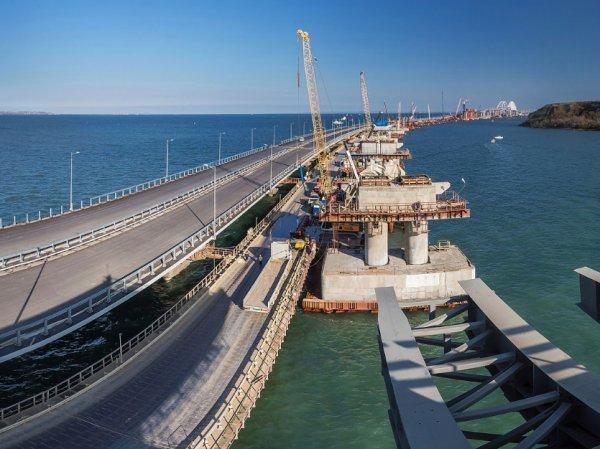 """Украинские СМИ рассказали о """"треснувшей"""" опоре Крымского моста, опубликовав фото"""