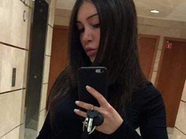 Стритрейсерша Мара Багдасарян похвасталась новыми правами, а потом удалила фото