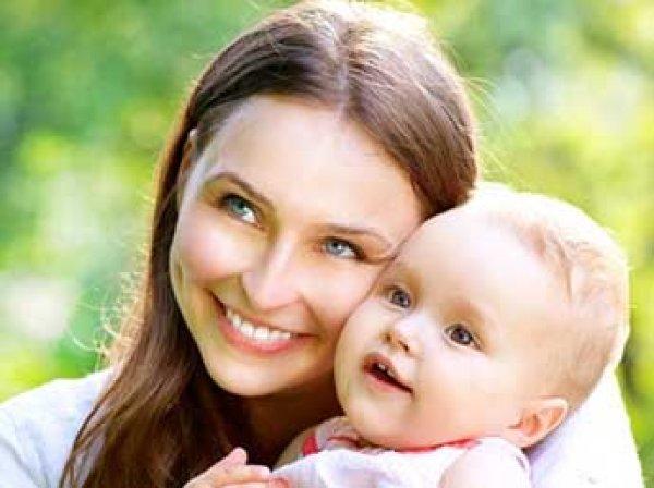 Минтруд назвал сроки повышения в России пособия на детей до трех лет