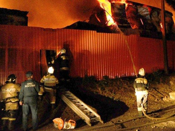 Пожар в двух ТЦ Ноябрьска могли стать результатом поджога - МЧС