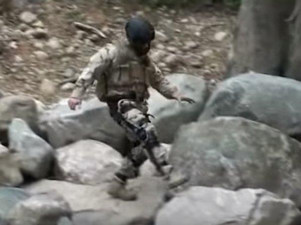 В Сети опубликовали видео испытания боевого экзоскелета