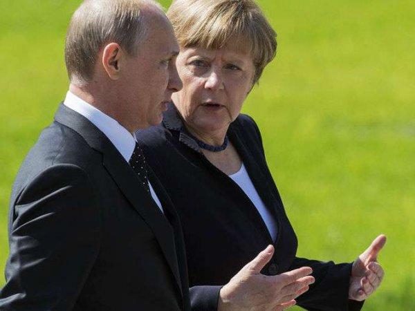Путин рассказал Меркель об условии сохранения транзита газа через Украину