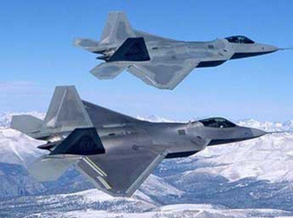 СМИ узнали о перебросках в Японию новейших боевых самолетов США F-22