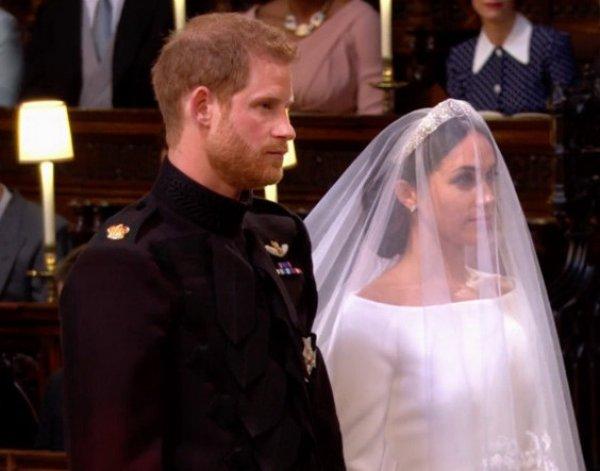 Принц Гарри женился на Меган Маркл в присутствии бывших подружек