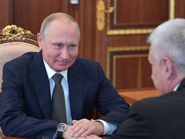 СМИ: в администрацию президента войдут чекист, посол и полпред