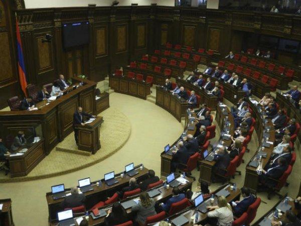 Парламент Армении отказался назначить Никола Пашиняна премьер-министром